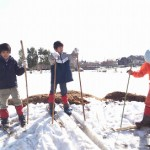 2.22竹で作ったスキーに挑戦